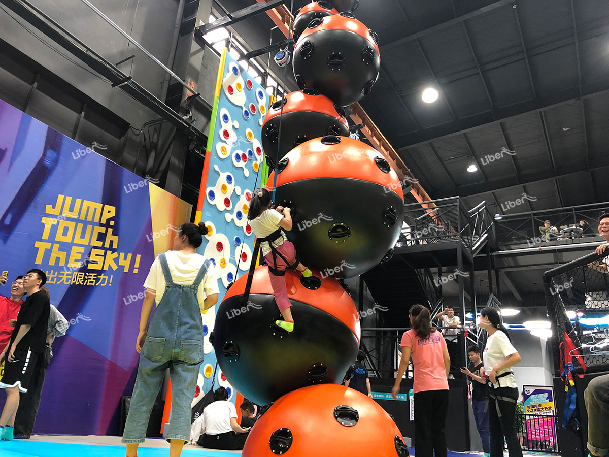 Indoor rock climbing-2