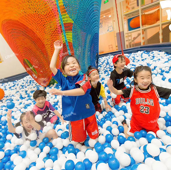 How To Ensure The Safety Of Indoor Amusement Equipment? How To Choose A Good Manufacturer To Cooperate?
